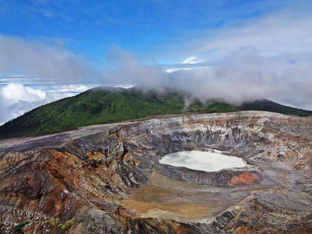 Costa Rica: Parques Naturales y Volcanes
